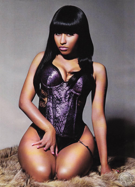 Nicki Minaj fully naked at Largest Celebrities Archive!