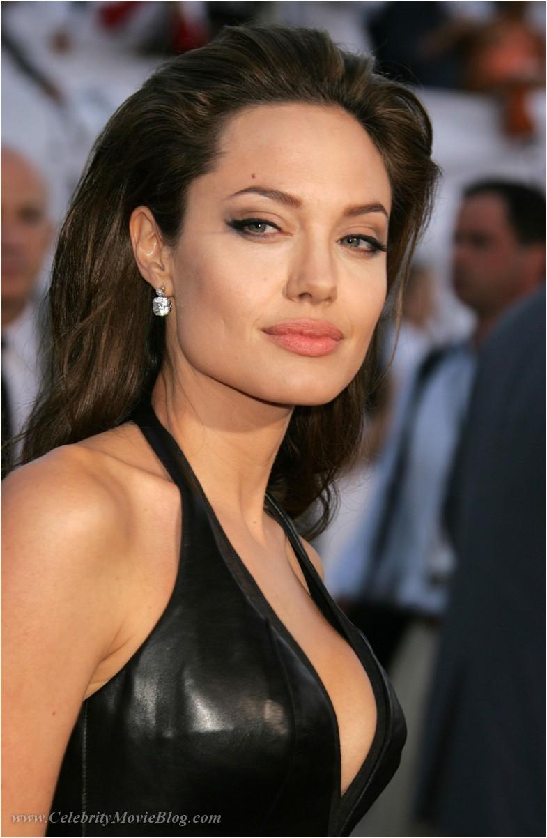 That Angelina jolie nude comics