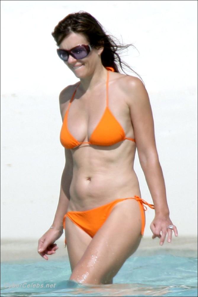 Elizabeth hurley free nude clips